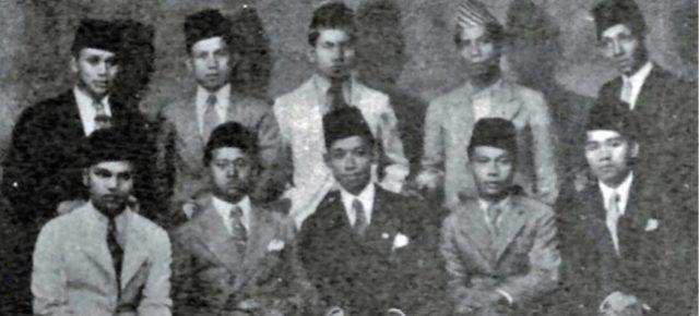 Jalan Sunyi A.Kahar Muzakkir: Pendidikan, Diplomasi dan Politik